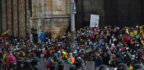 Protestos na Colômbia levam a Conmebol a adiar jogos no pais