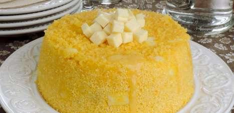 Cuscuz nordestino com queijo coalho pronto em 20 minutos