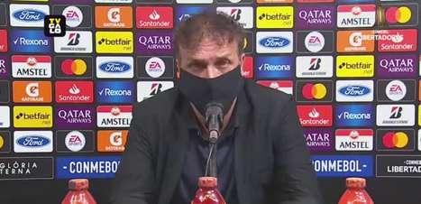 """ATLÉTICO-MG: Cuca fala sobre a disputa pela titularidade na lateral direita entre Guga e Mariano e afirma: """"Iremos utilizá-los da maneira que gente entender mais certo"""""""
