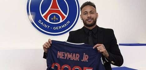 'É um grande prazer estender a aventura no Paris Saint-Germain', festeja Neymar