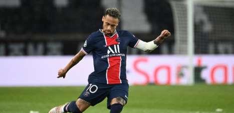 Neymar acerta renovação com Paris Saint-Germain até 2025