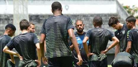 Botafogo encara o América-MG neste sábado, na estreia do Brasileirão Sub-17