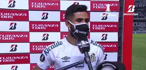 """SANTOS: Felipe Jonatan celebra gol e vitória sobre o Boca Juniors na Libertadores: """"vamos brigar de vez pela classificação"""""""