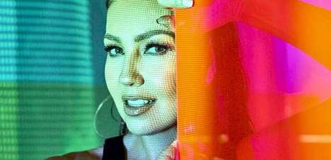 """Thalia revela seus mais profundos sentimentos no novo álbum """"desAMORfosis"""""""