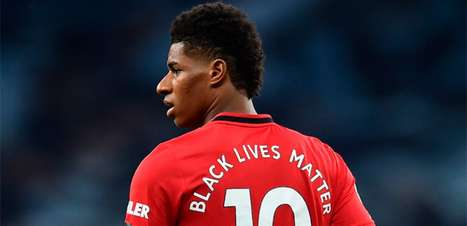 Marcus Rashford, do Manchester United, expõe ataques racistas nas redes sociais após derrota