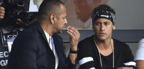 """""""Se Nike quer chantagem, vamos pra cima"""", diz pai de Neymar"""