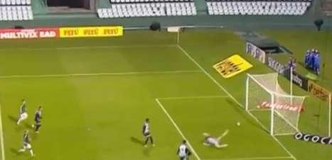 Guarani goleia o Operário e vence a primeira na Serie B