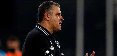 Chamusca, do Botafogo, comemora PV, Chay e Kanu na seleção da Série B: 'Que nosso grupo seja merecedor'