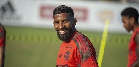 STJD converte suspensão em multa, e Rodinei está liberado para reestrear pelo Flamengo contra o Coritiba