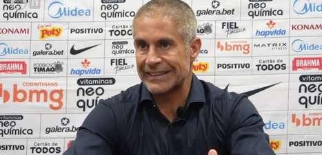 Corinthians cruza 120 vezes em três jogos contra o Atlético-GO e Sylvinho diz: 'Estamos buscando essa correção'