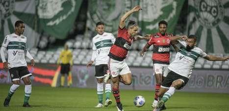 Diego admite queda do Flamengo no segundo tempo, mas valoriza vitória