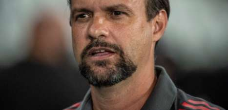 Mauricio Souza valoriza elenco do Flamengo e explica entrada de Rodinei: 'Pedido do professor Rogério'