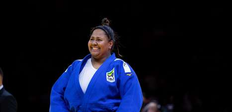 Judoca brasileira festeja medalha e sonha com as Olimpíadas