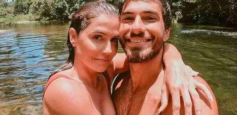 'Colocava o Santo Antônio na geladeira', diz Deborah Secco sobre simpatia para casar