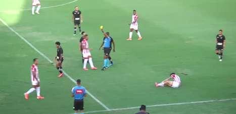 NÁUTICO: Mas já? Hélio dos Anjos é expulso com menos de 10 minutos de jogo diante do Botafogo