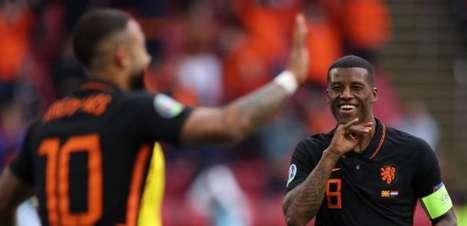 Holanda vence Macedônia do Norte por 3 a 0