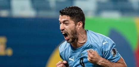 Uruguai sai atrás, mas empata com o Chile na Copa América