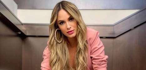 """Sarah Andrade procura ajuda após BBB21 e desabafa sobre cobranças: """"Não é fácil"""""""