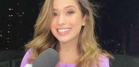 Após ser alvo de fake news, repórter atacada por Jair Bolsonaro se pronuncia