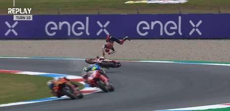 Marc Márquez perde controle e sofre forte acidente durante TL2 do GP da Holanda