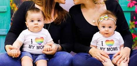 """""""Quem é a mãe?"""": Casal homoafetivo relata o que não aguenta mais escutar"""