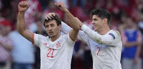 Em jogo de 8 gols, Espanha bate Croácia e avança na Eurocopa