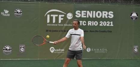 Favorito vence batalha de 3h30 e decide contra Zandonaide, ex-craque do Vasco no Seniors no Rio