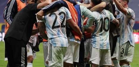 Goleiro da Argentina brilha e recebe elogio de Messi