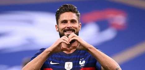 Milan tenta tirar Giroud do Chelsea e acerto está próximo