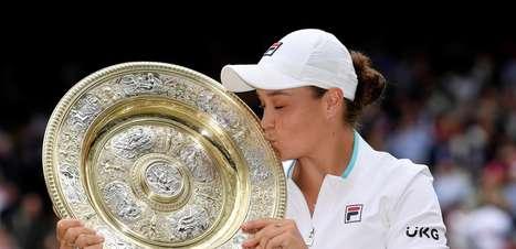 Barty supera Pliskova e conquista Wimbledon pela 1ª vez