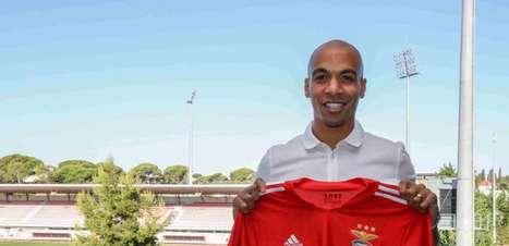 Benfica contrata o meia João Mário, campeão português pelo rival Sporting na última temporada