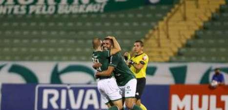 Guarani leva a melhor no reencontro com Allan Aal