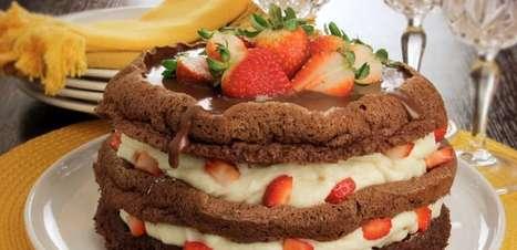 Bolo de Nutella® com chocolate branco e morango