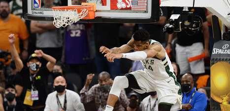 Bucks vencem Suns e ficam perto do título da NBA