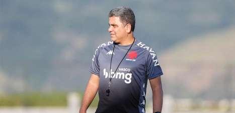 Internautas debatem demissão de Marcelo Cabo e assumem receio por quem será o novo técnico do Vasco