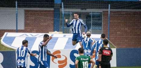 Arthur Chaves faz gol da vitória do Avaí no Brasileirão de Aspirantes e comemora boa fase