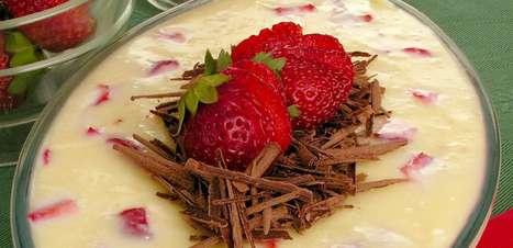 Creme de morango e chocolate branco