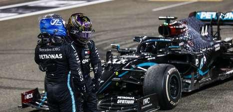 Mercedes nega tentativa de interferência de Hamilton em escolha do segundo piloto