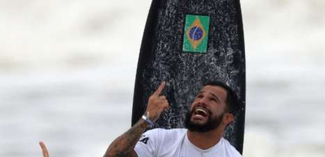 Flamengo parabeniza o rubro-negro Ítalo Ferreira pela medalha de ouro no surfe: 'Muito orgulho de você!'