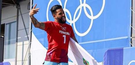 É do Brasil! Italo Ferreira conquista 1º ouro e celebridades comemoram