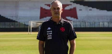 Após três propostas recusadas e ter o colocado como 'Plano A', Botafogo encontra Lisca diante do Vasco