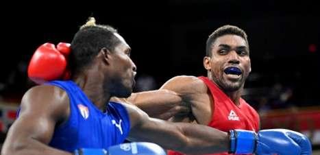 Abner Teixeira lamenta derrota na semi do boxe nos Jogos Olímpicos: 'Tô p..., né? Ninguém gosta de perder'