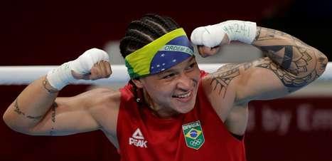 Bia Ferreira bate finlandesa e vai à final do boxe em Tóquio