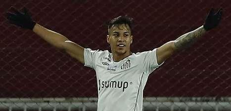 """Na Juventus, Kaio Jorge exalta """"eterna gratidão"""" ao Santos"""