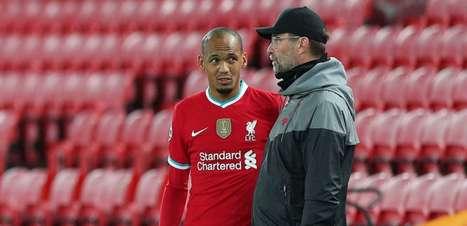 Liverpool faz homenagem a Fabinho pelo falecimento do pai