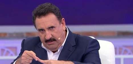 """Ratinho diz que Sérgio Reis é alvo de """"cruzada do mal"""""""