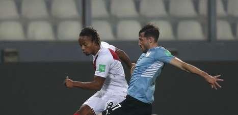 Em bom jogo, Peru e Uruguai empatam pelas Eliminatórias