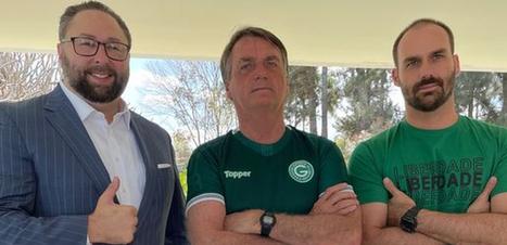 Ex-assessor de Trump recorreu a Eduardo Bolsonaro no Brasil