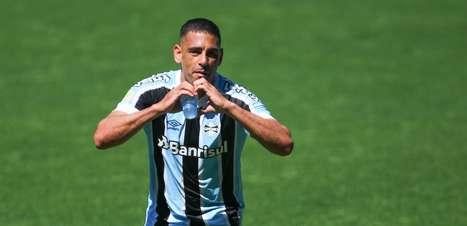 Grêmio bate o Ceará e respira na luta para fugir do Z-4
