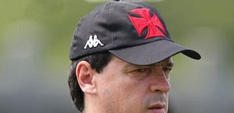 Regularizado, Fernando Diniz estreará pelo Vasco contra CRB